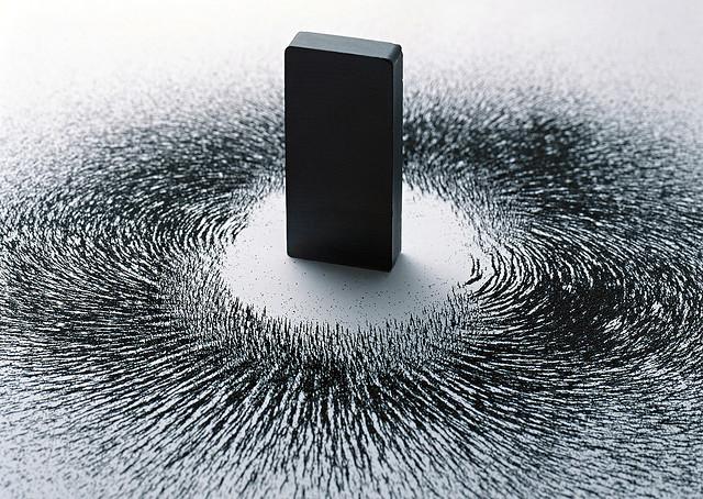 magnet-and-iron-filings.jpg