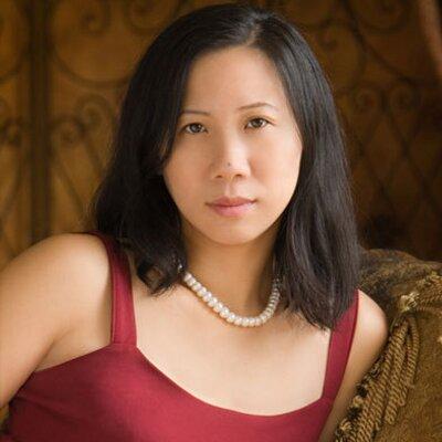 Romance author Sherry Thomas
