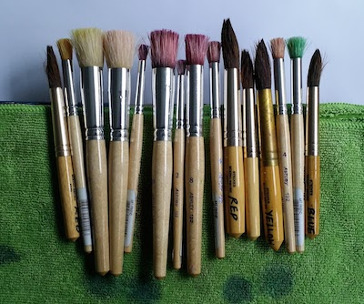 Ink 'dabbing' brushes and printing brushes!