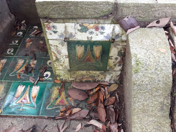 Art Nouveau tiles in 6 inch and 3 inch sizes.