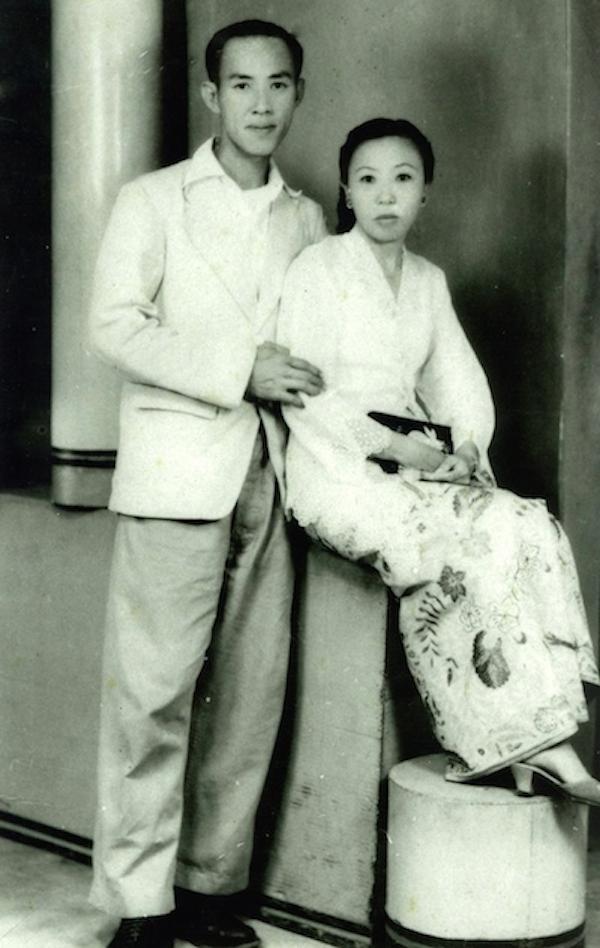 My Hokkien grandfather, Lim Chong Lay and my Nyonya grandmother Tan Im Neo.
