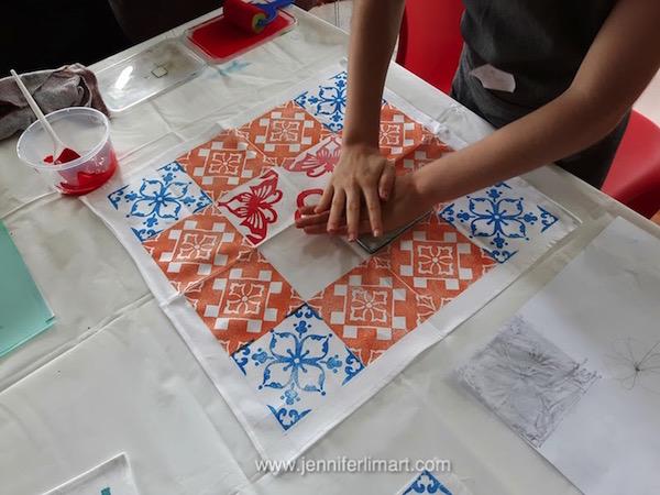 ws-singapore-jennifer-lim-art-printing-peranakan-fabric-161128-07-wm.jpg