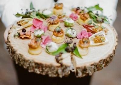 passed appetizer wedding.jpg
