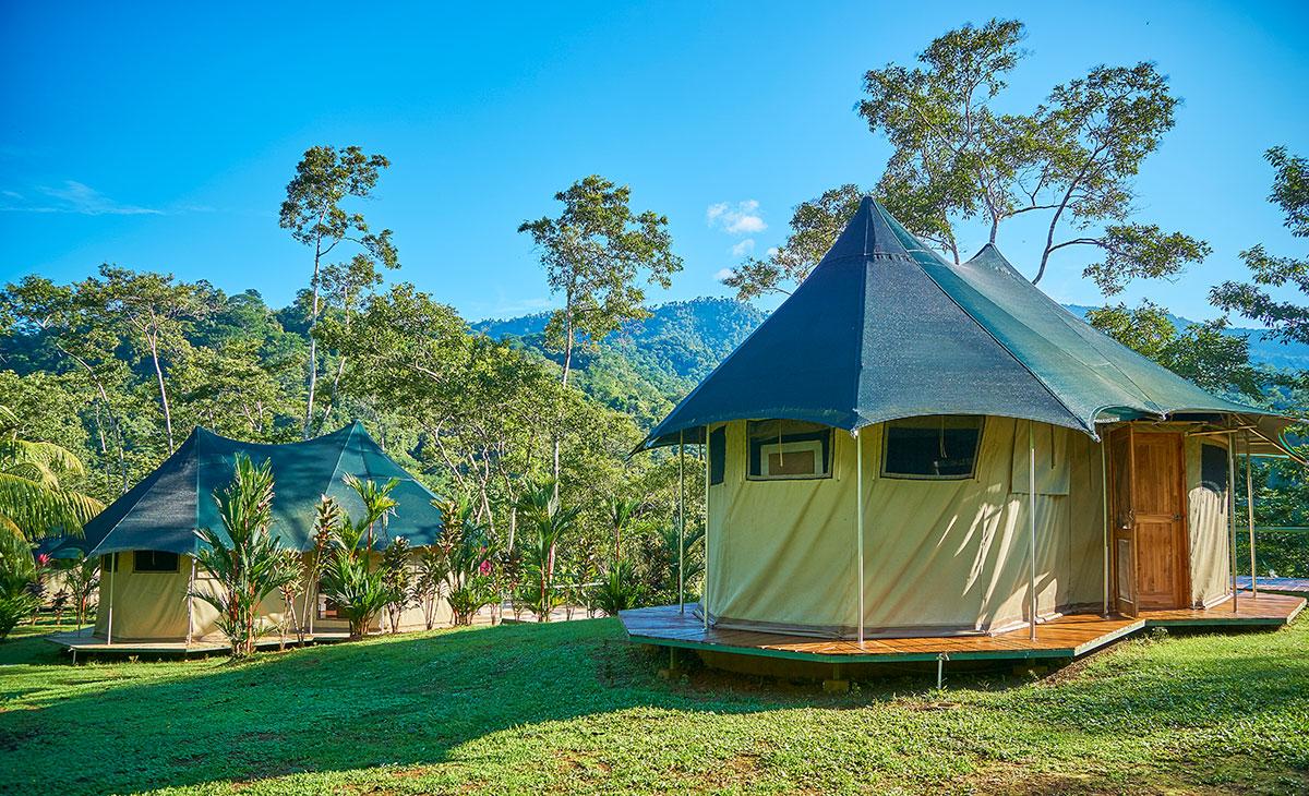 manoas-luxury-camping-glamping-carpas-tents-4.jpg