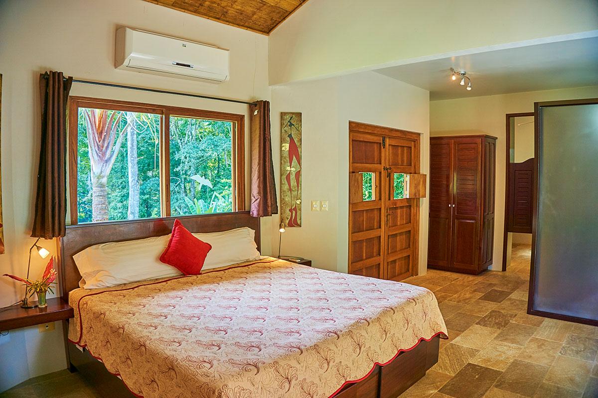 manoas-luxury-villas-casa-rio-master-3.jpg