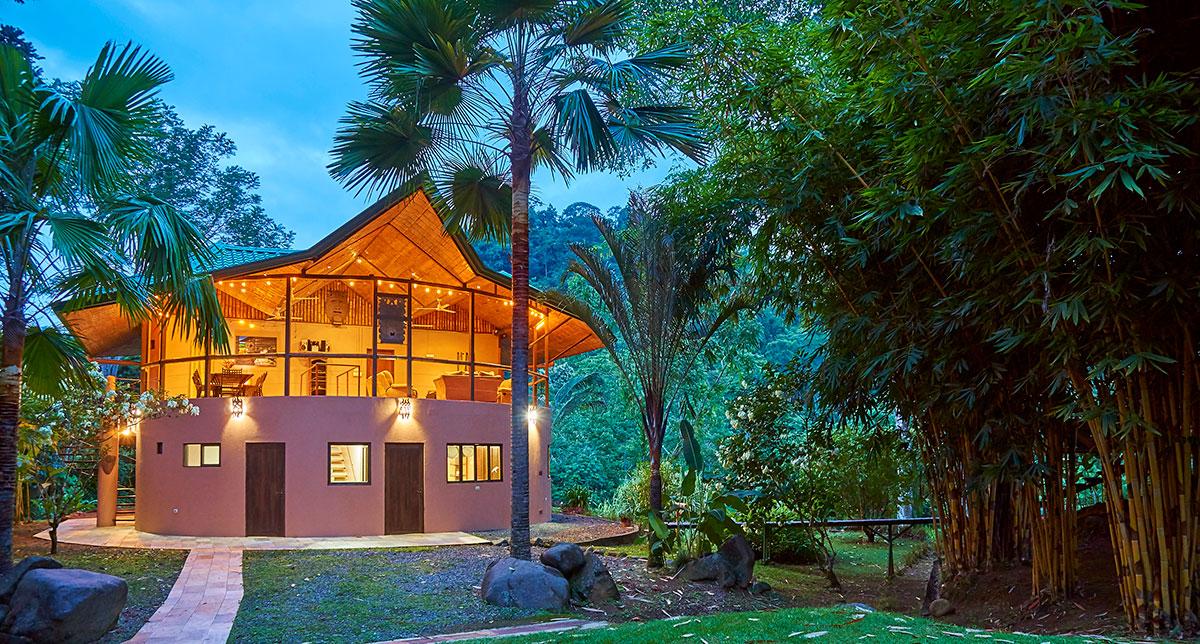 manoas-luxury-villas-casa-rio-dusk.jpg