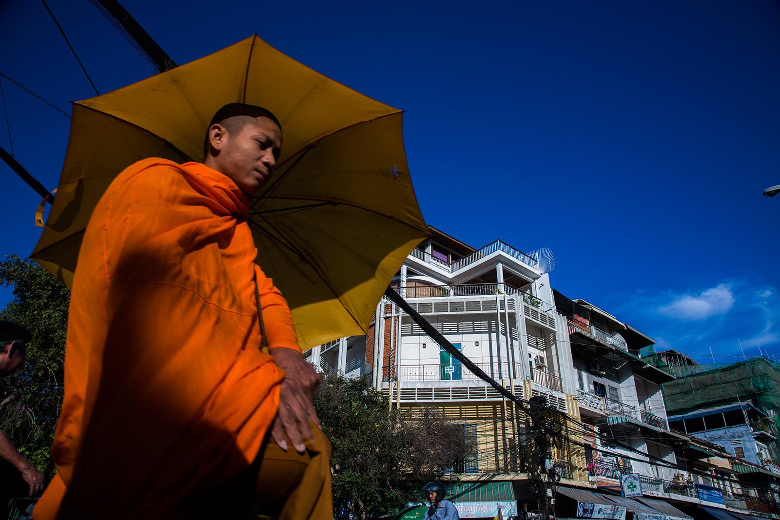 phnom-penh-street-0001.jpg