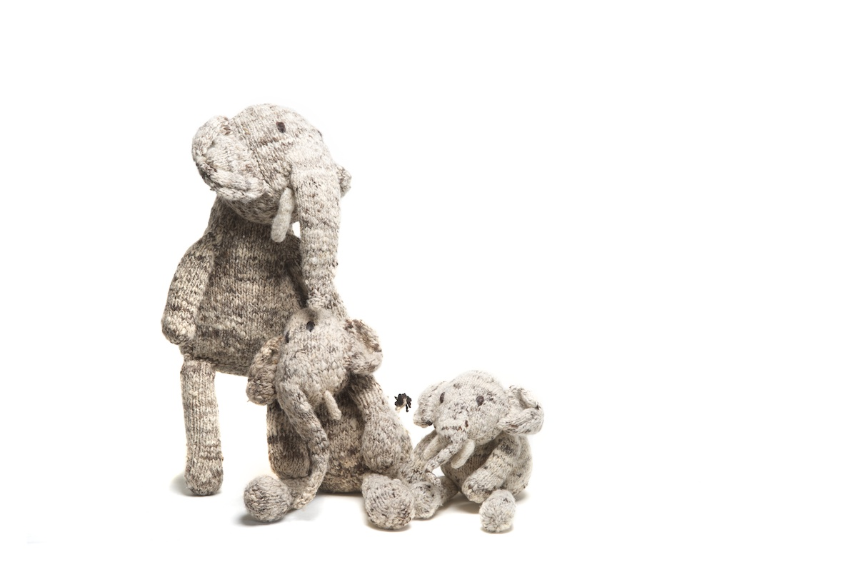 SAFARI SHELF ELEPHANT FAMILY