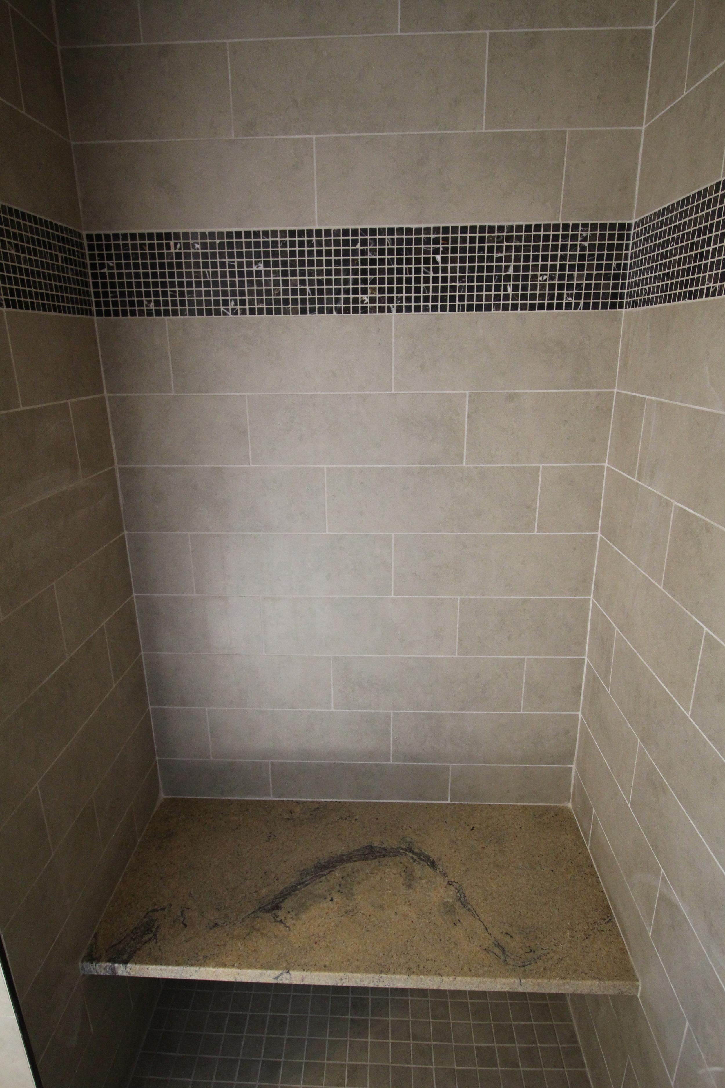 7423 Denali Master Shower Bench.JPG