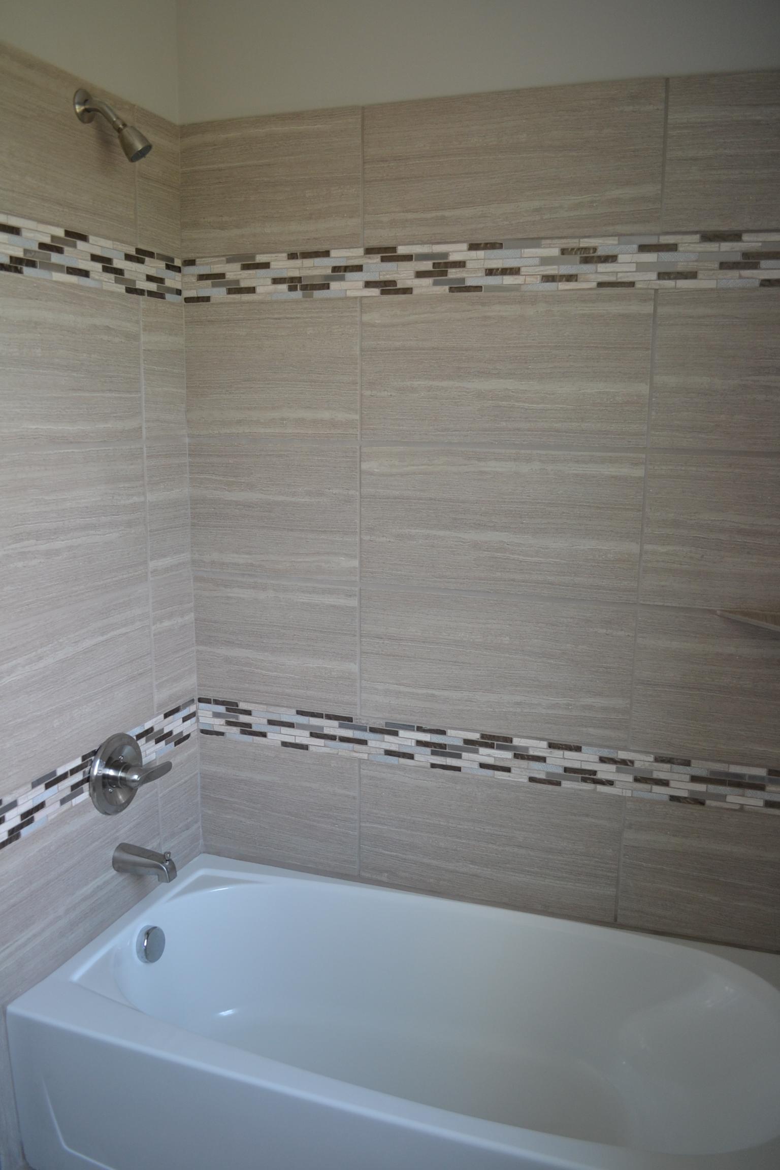 MLS.5603 Mesa Main Bath.4.JPG