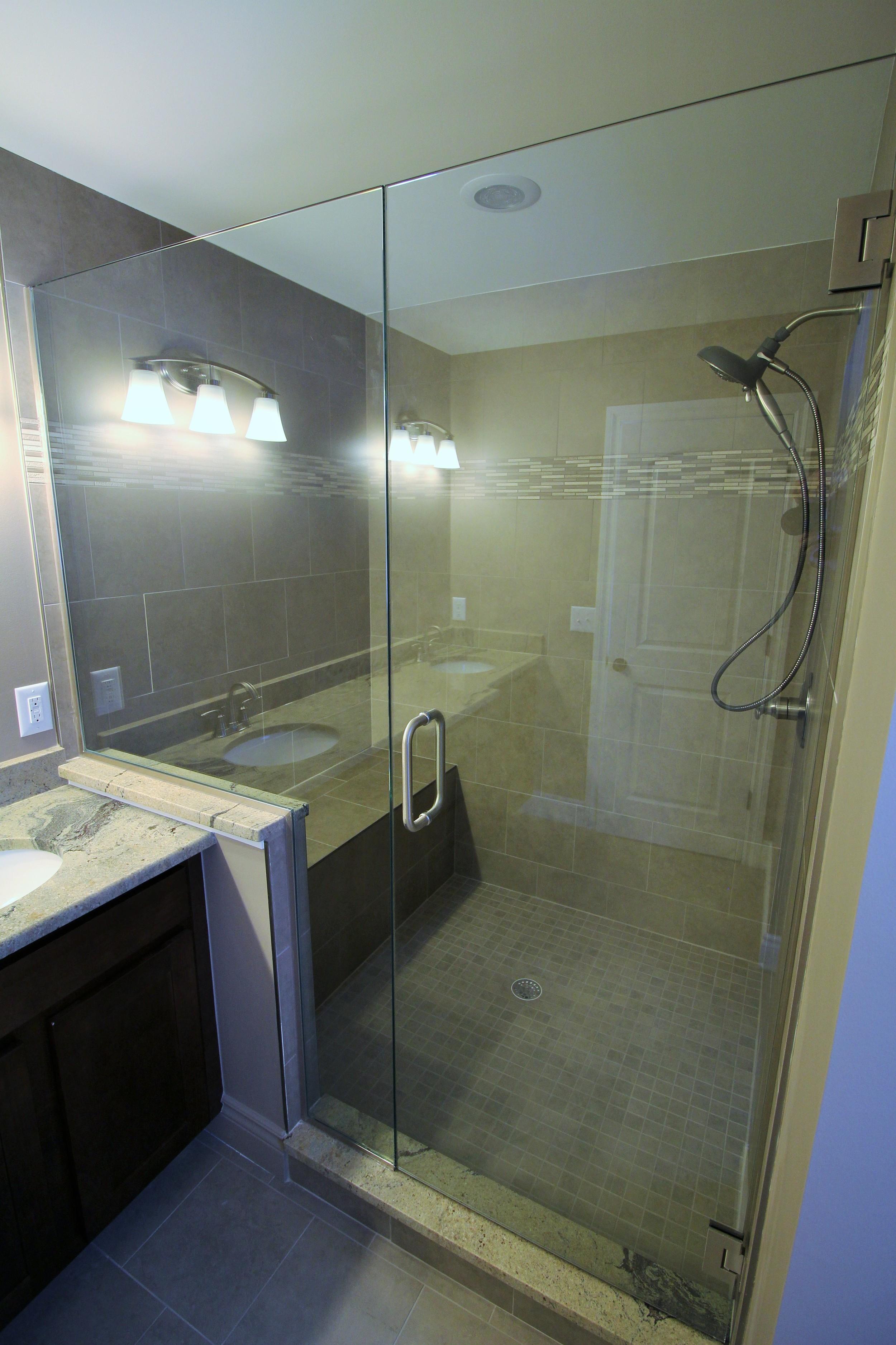 7451 Olympic_Master Shower.1.JPG