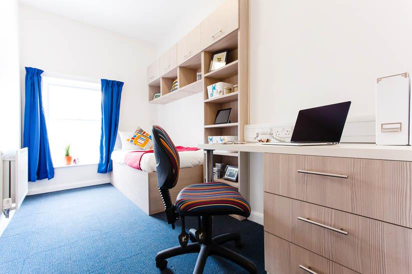 Birmingham_Student_Accommodation_Bristol_Street_bedroom_2.jpg