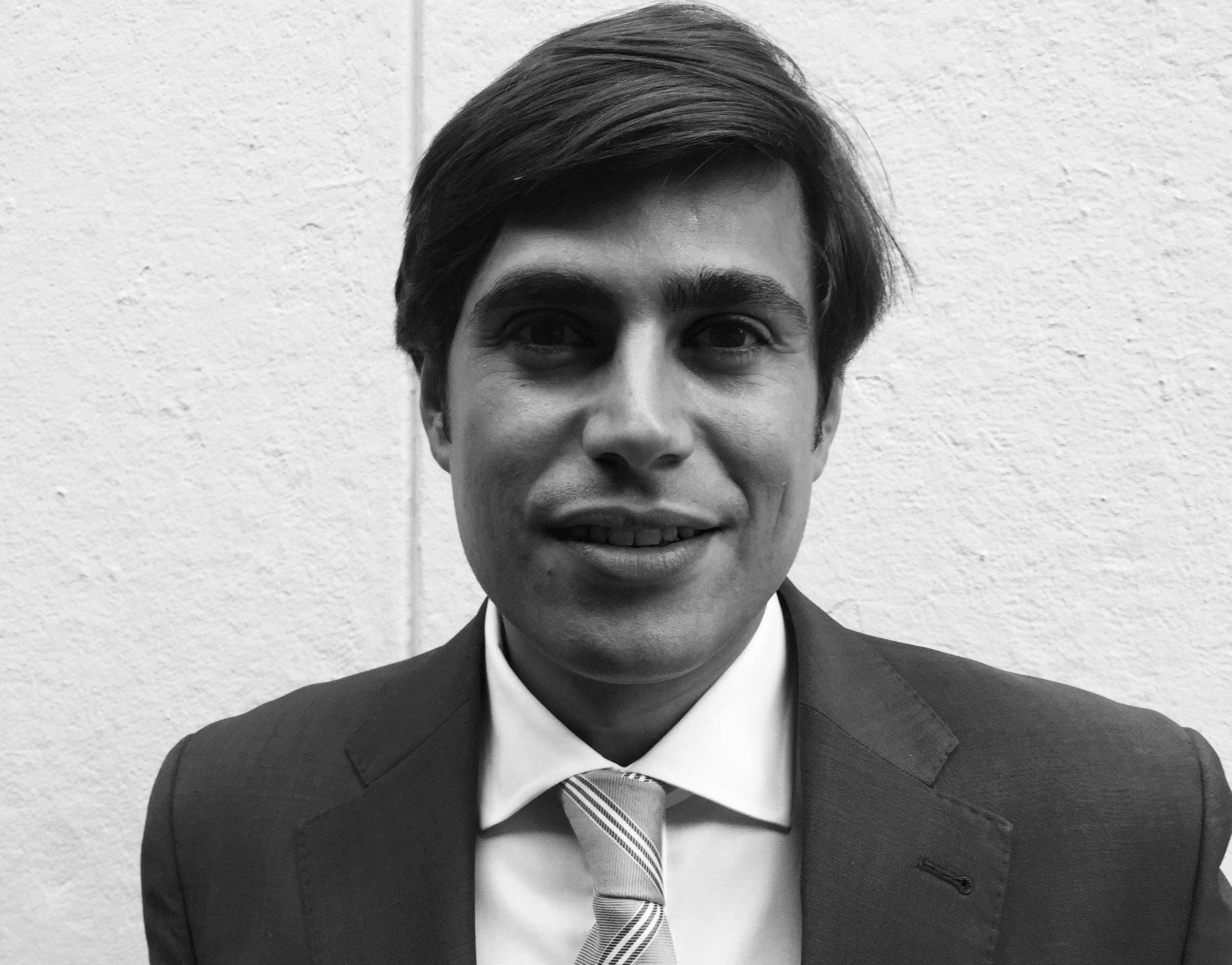 Álvaro Gajate Bonilla - ABOGADO MERCANTIL ZARAGOZATELÉFONO: 661 22 02 38EMAIL:alvarogajate@grupoalcazar.netOFICINA:C/ Joaquín Costa 3, Principal Derecha. 50001 Zaragoza