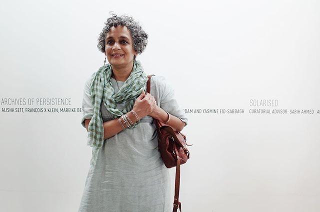 Arundhati Roy arrived at Dhaka and visiting Chob Mela X exhibitions  #cmx #chobimelax #arundhatiroy