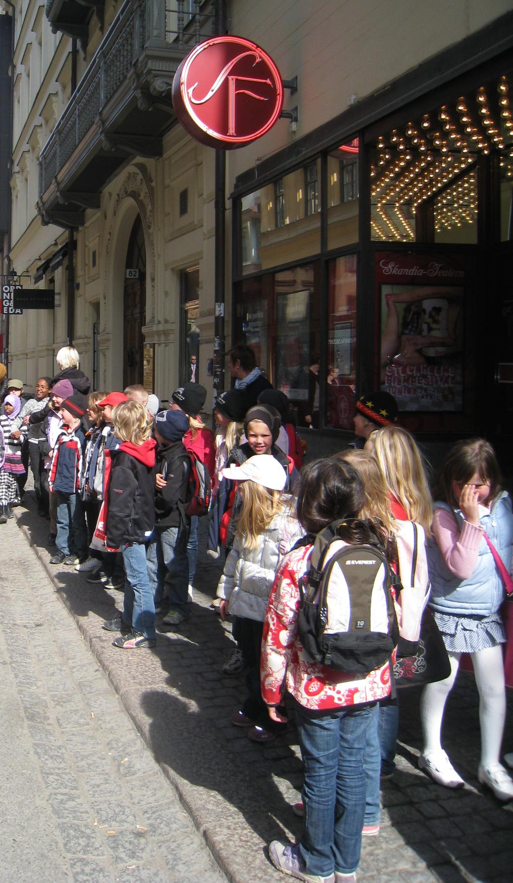 Visning under Junior festivalen i april