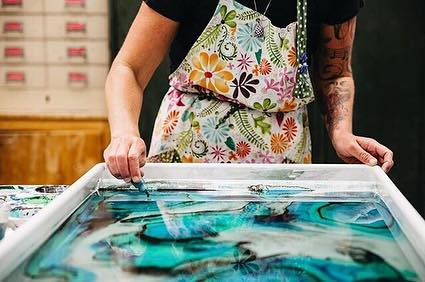 WORKSHOP GIVEAWAY! ✨⠀⠀⠀⠀⠀⠀⠀⠀⠀ One lucky person will win a spot in my upcoming Suminagashi Paper Marbling workshop in Nashville, Tennessee. The workshop will be held at @watkinscollege on Saturday, April 6. ⠀⠀⠀⠀⠀⠀⠀⠀⠀ In this class, you'll learn the meditative method of suminagashi marbling. This is a Japanese technique where you float ink on water and then gently guide it by blowing air across the surface, as well as embracing spontaneity while the ink moves in its own way. This is such a relaxing, creative process and you'll leave with dozens of marbled papers of your own design. No previous artmaking experience necessary! ✨⠀⠀⠀⠀⠀⠀⠀⠀⠀ Here's how to enter this giveaway: •Follow @linenlaidfelt. •Follow @watkinscommunityeducation. •Comment about why you'd like to take this workshop. ✨⠀⠀⠀⠀⠀⠀⠀⠀⠀ For a bonus entry, leave ONE additional comment tagging some friends, to help spread the word. ✨⠀⠀⠀⠀⠀⠀⠀⠀⠀ Because this in-person class will be held in Nashville, please only enter this contest if you live nearby and would be able to attend on April 6 from 10 am to 4 pm. ✨⠀⠀⠀⠀⠀⠀⠀⠀⠀ A winner will be chosen randomly on Thursday at 9 pm CST. Thank you to @watkinscommunityeducation for sponsoring this giveaway, which is not associated with Instagram. ✨⠀⠀⠀⠀⠀⠀⠀⠀⠀ And if you don't win, but you're still interested in learning about paper marbling, there's still time to register for the workshop! Visit my website (link in bio) for information about signing up. ✨ #suminagashi #suminagashimarbling #papermarbling #marbledpaper #marbling #artstudio #paperart #nashville #nashvilletn #musiccity #handmadeinnashville #bookarts #nashvilleartist #nashvilleart #nashvilleevents #middletennessee #tennesseecraft #tncraft #marblingpaper #makersgonnamake #decorativepaper #watkinscollege #marblingworkshop #artworkshop #artclass #communityeducation #madeintennessee  #creativelifehappylife #creativeprocess  #livecolorfully