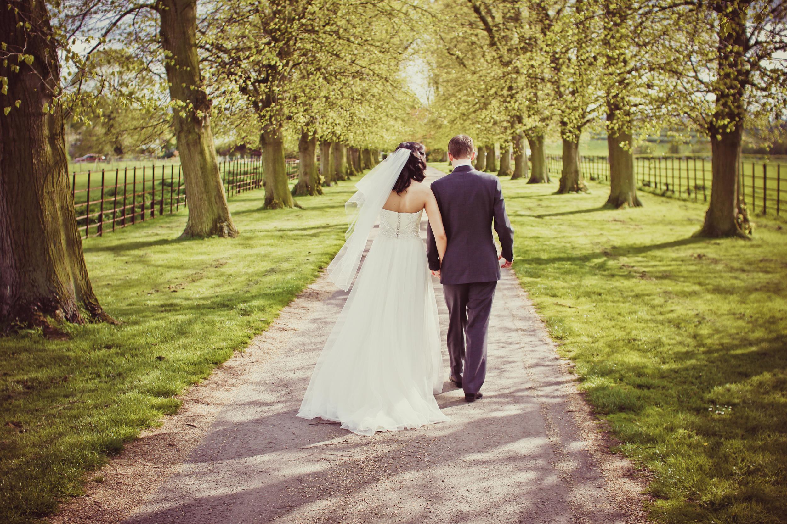 little-wedding-walk