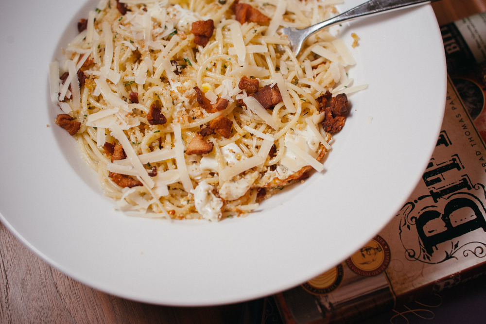 Spaghetti pangrattato with crispy eggs