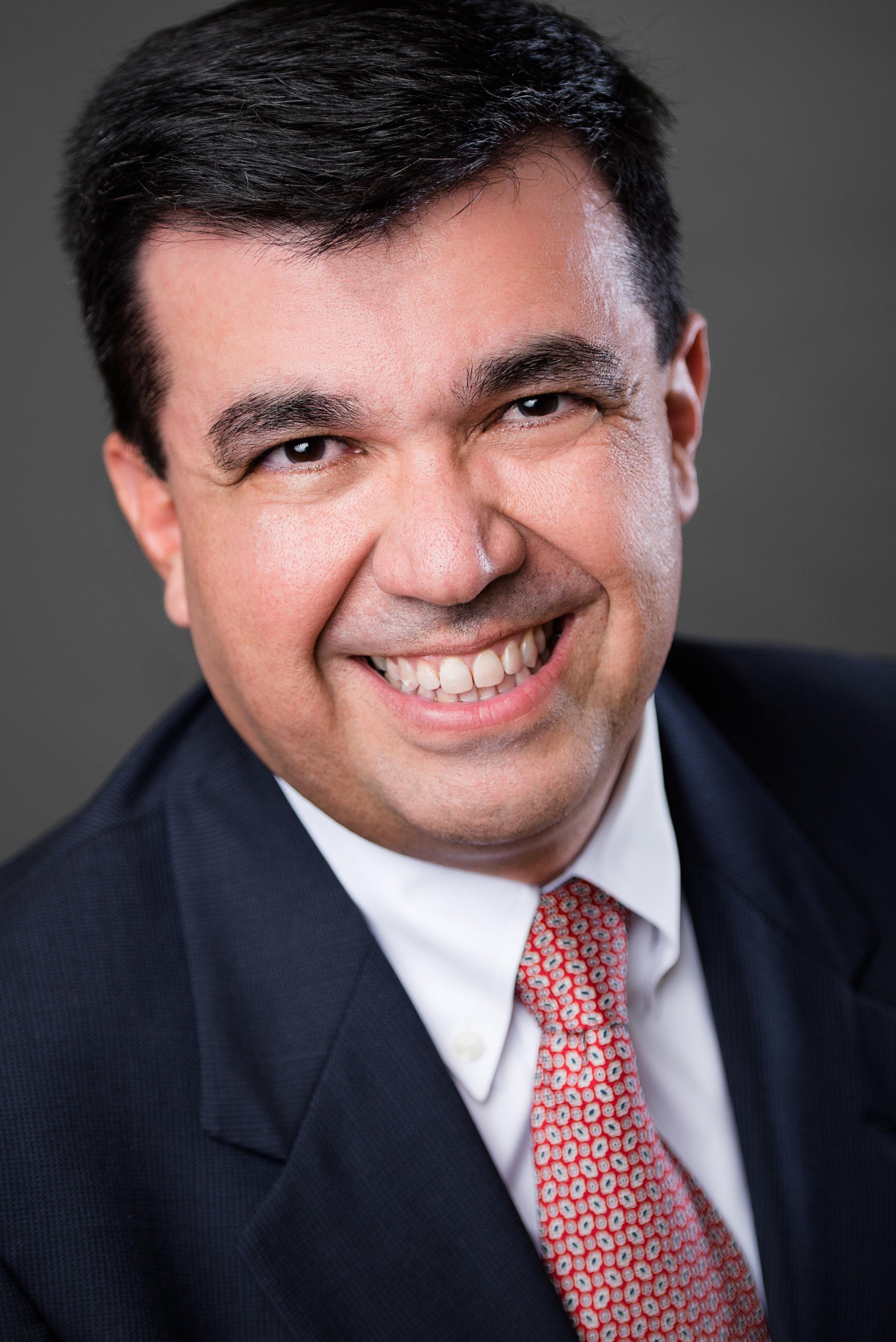 Dr. Ernesto Umana