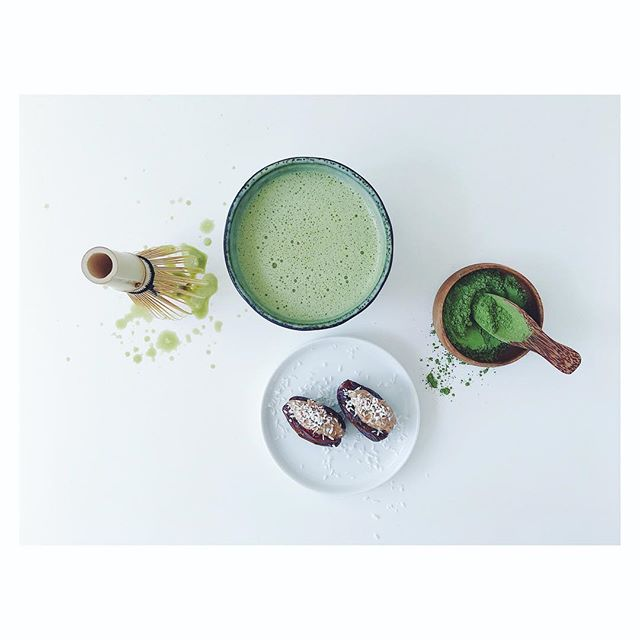 3PM REFRESH :: Matcha latte with plant milk + dates with almond butter and coconut shred. ⠀⠀⠀⠀⠀⠀⠀⠀⠀ I'm always tempted to go for the chocolate at this time of day so I like to get creative with some alternatives or at least postpone the inevitable! ⠀⠀⠀⠀⠀⠀⠀⠀⠀ I've been feeling tired the last couple of days, how about you?  There's a lot going on astrologically at the moment, Mercury in Retrograde, a full moon tomorrow along with the Spring Equinox today. That's a lot of energy being stirred up so don't be too hard on yourself for the next couple of days. ⠀⠀⠀⠀⠀⠀⠀⠀⠀ Layer in some downtime and enjoy an Epsom bath soak if you get the chance tonight. ⠀⠀⠀⠀⠀⠀⠀⠀⠀ #springequinox