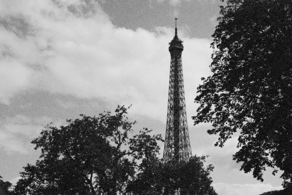 paris-tour-d'eiffel-tower-william-bichara-photographer-studies-personal-work-9.jpg