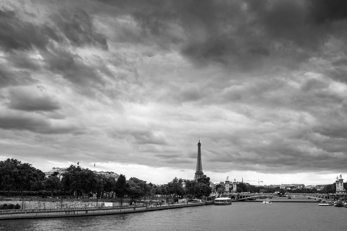 paris-tour-d'eiffel-tower-william-bichara-photographer-studies-personal-work-11.jpg