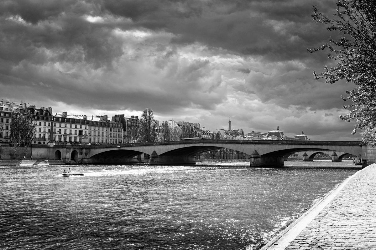 paris-tour-d'eiffel-tower-william-bichara-photographer-studies-personal-work-13.jpg