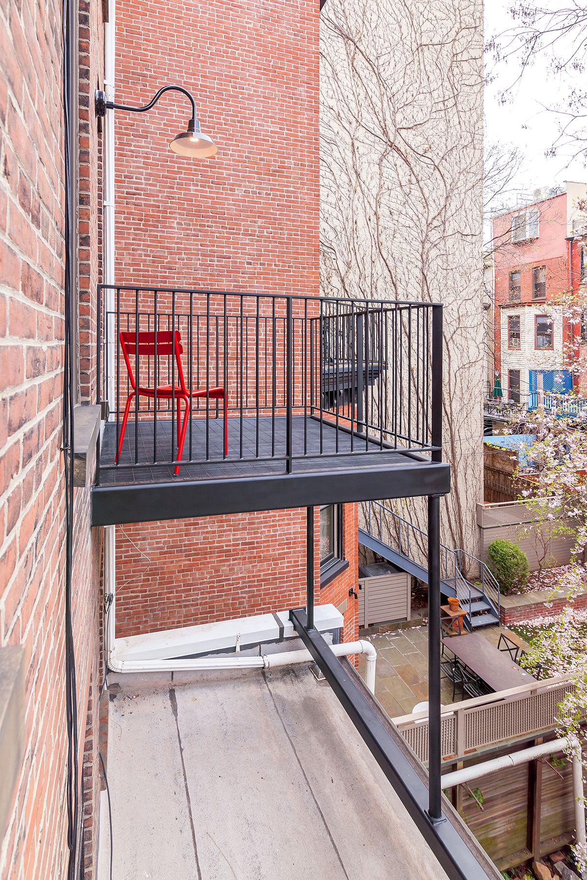 historic district balcon third.jpg
