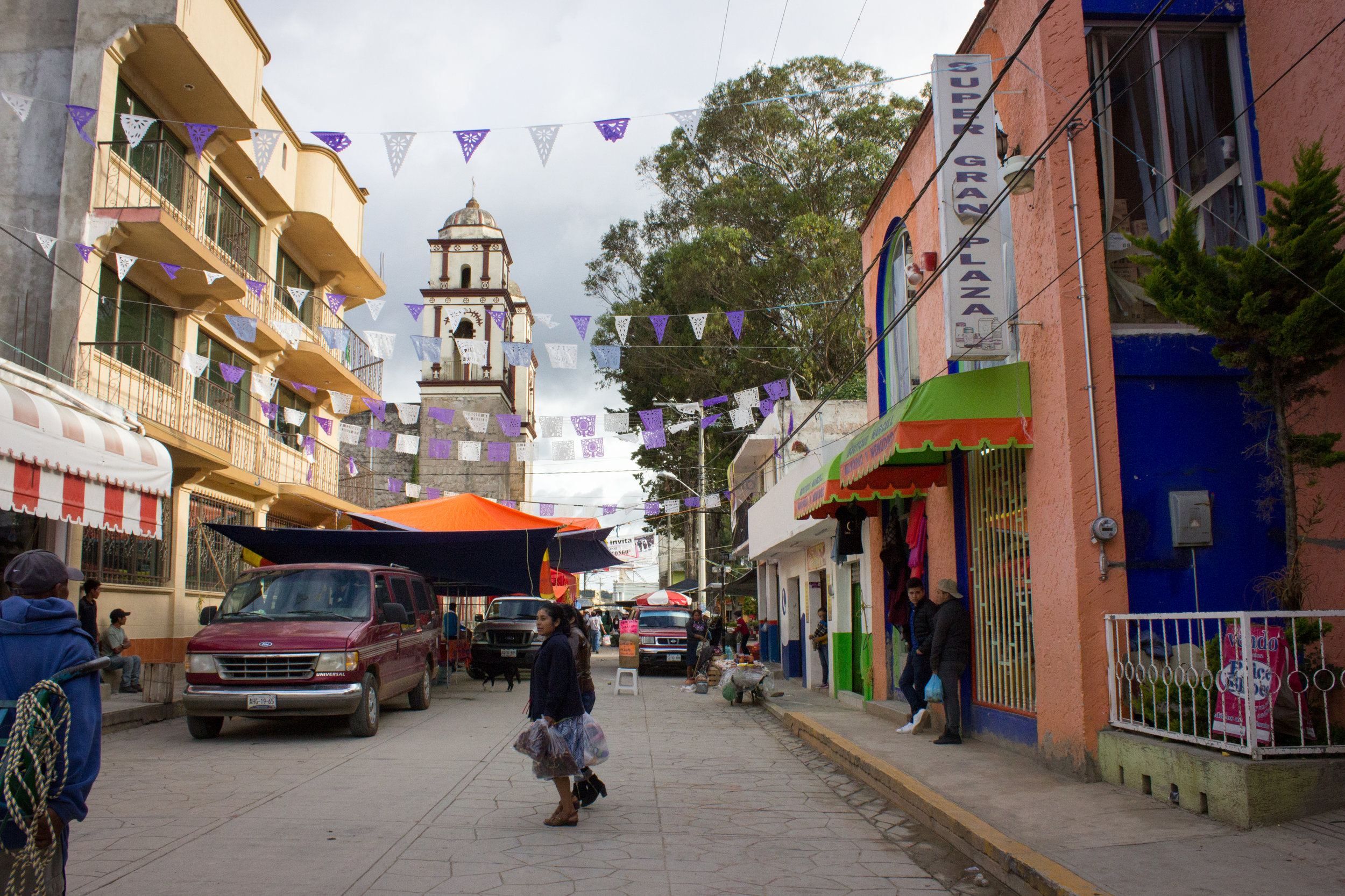 The town of Chalcatongo, where twelve of us caravanned on June 28. Ilene and I spent four nights here, spending the majority of our trip   with the Ruiz family and their church body in the village of nearby Chapultepec.