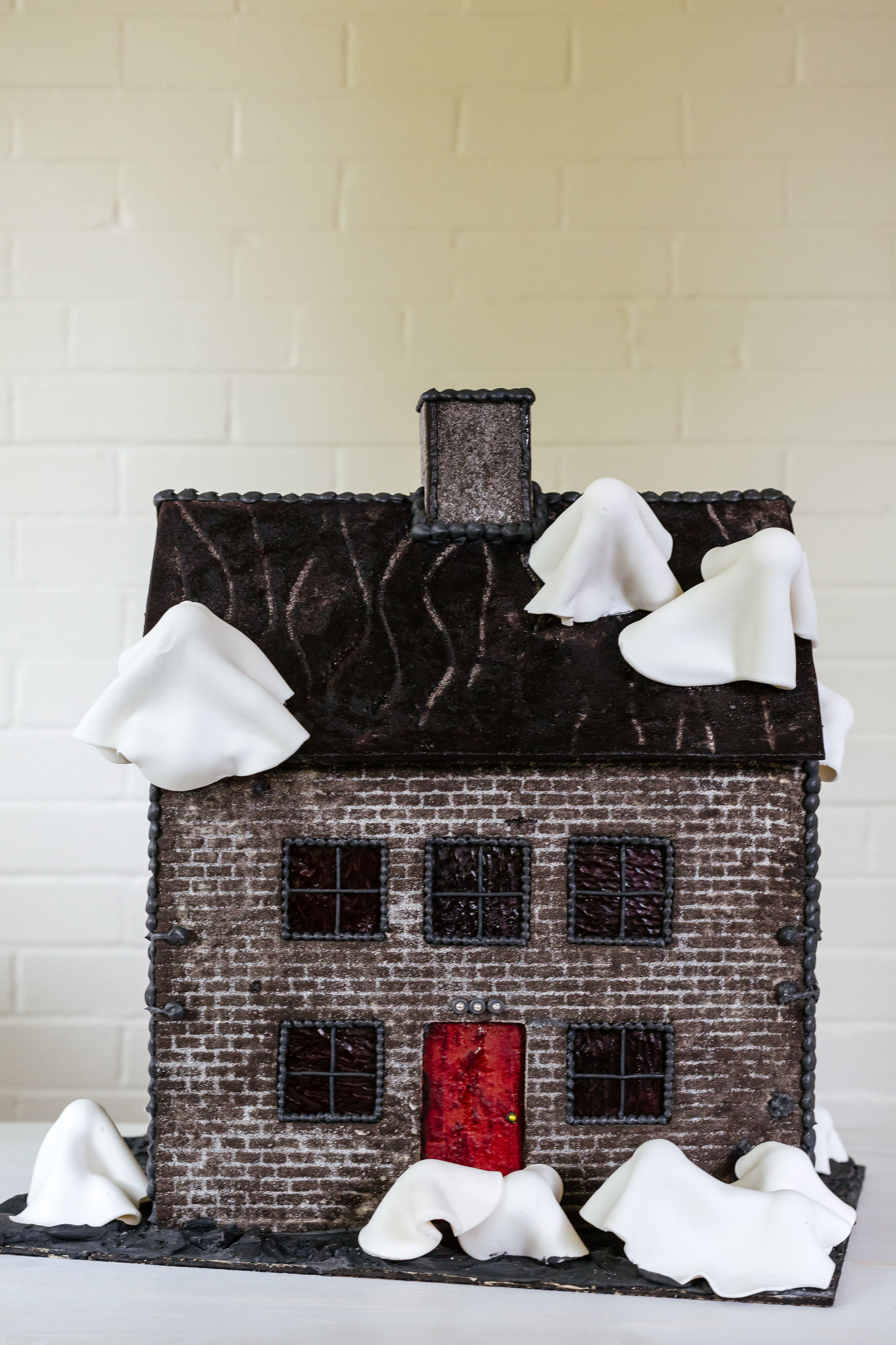 Haunted House 002.jpg