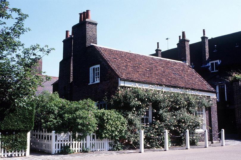 Nottingham Cottage, London