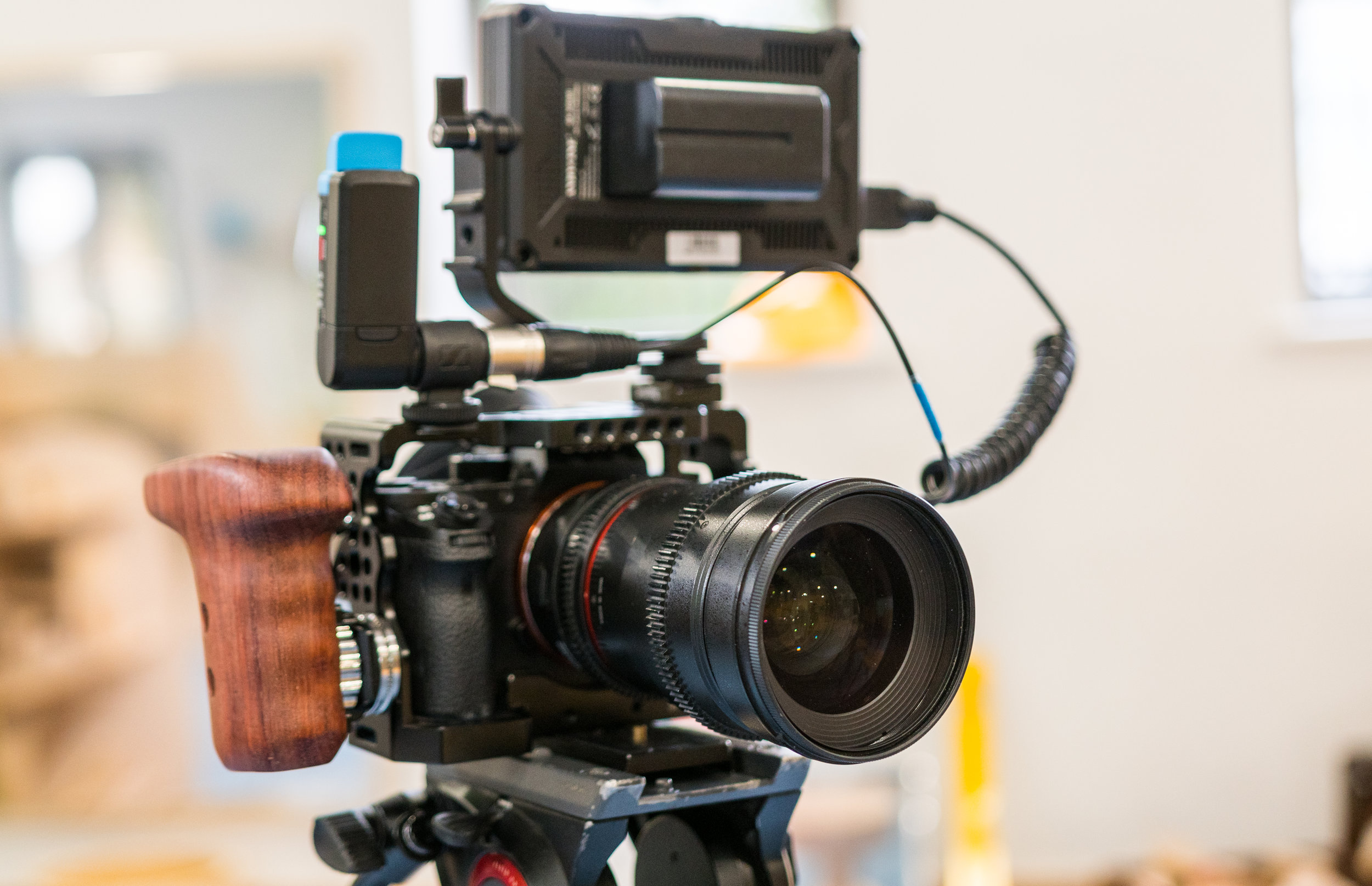 Andycine A6 4K monitor with the Sony NPF-750 battery and Sennheiser AVX.