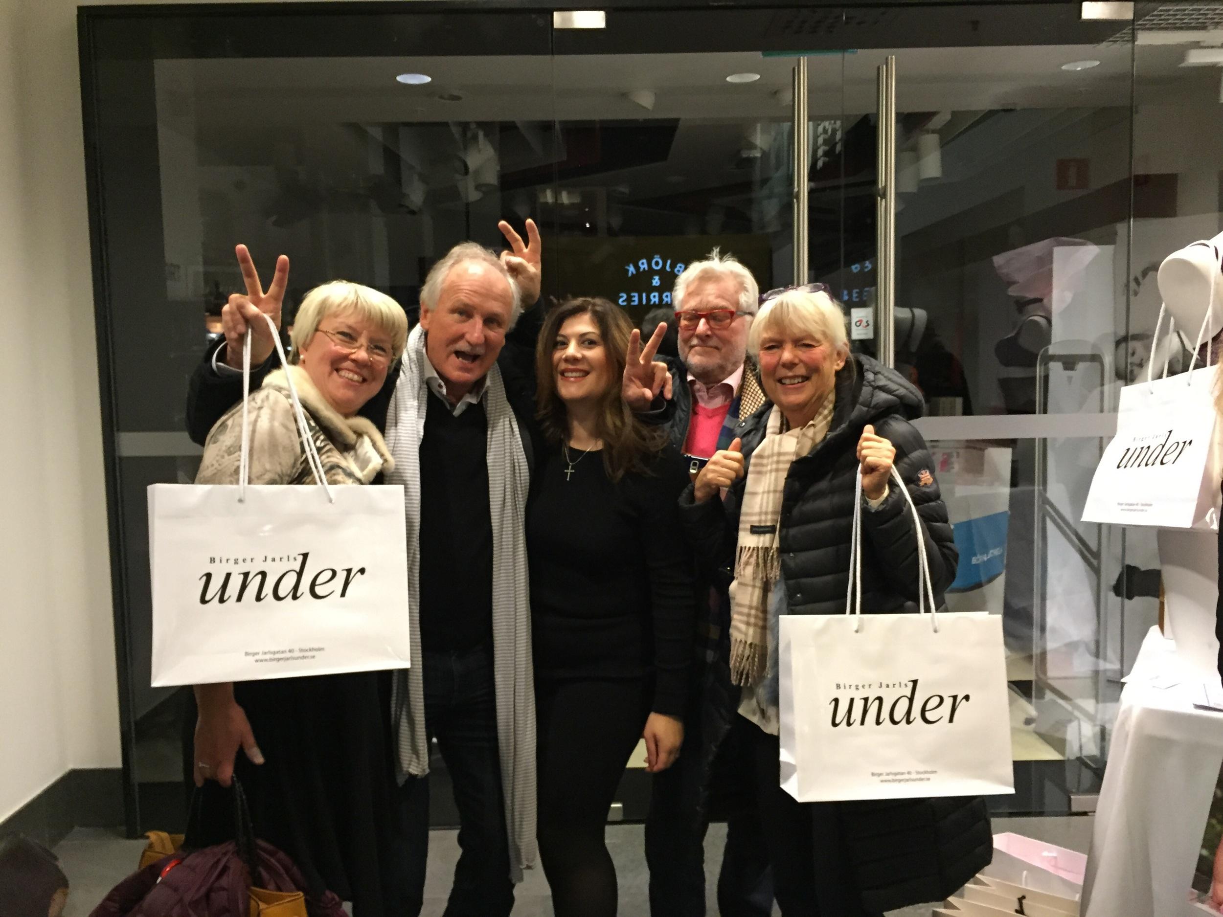 Dessa härliga kom förbi och sa hej. Jörgen Hahne, leverantör för Miraclesuit. Beritt från Keller fashion ser till att vi får snygga varor från Sapph och Vanilla.