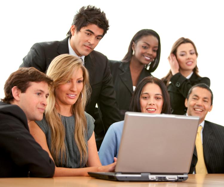 photodune-431264-business-team-on-a-laptop-l.jpg