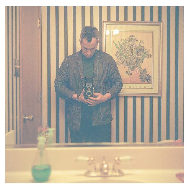 Thyself. {Rolleicord III, Kodak 120 Ektar 100} . #mediumformat #120film #kodak #rolleicordiii #filmphotography #shootfilmmag #colorfilm #kodaklosers