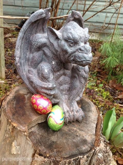 Gargoyle and eggs.jpg