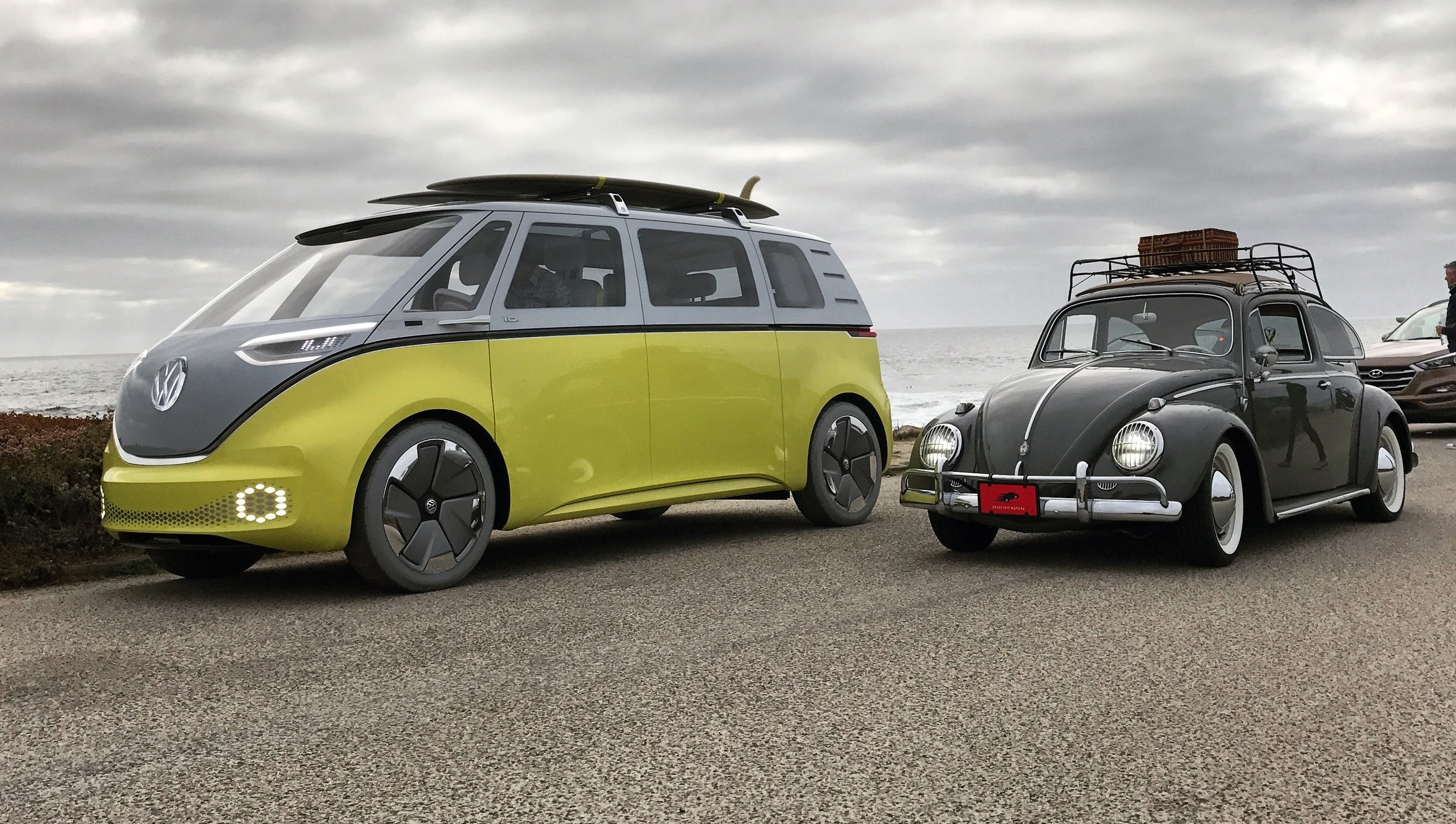 Left, Future I.D. Buzz. Right, Retro-Future Zelectric. Both 100% electric. Pebble Beach, 2017.