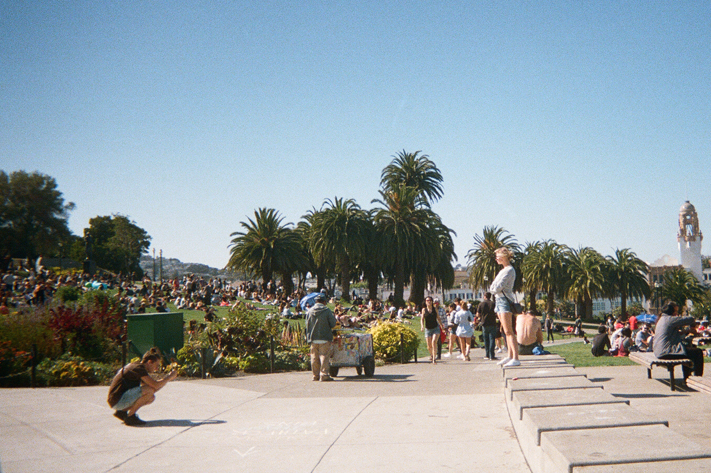 (Dolores Park) But who takes pics of the person who takes pics?