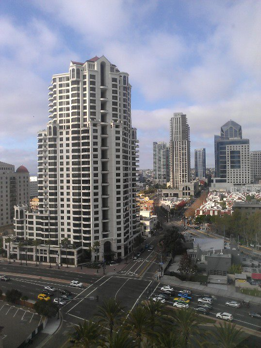 Imagesource:http://en.wikipedia.org/wiki/San_Diego#mediaviewer/File:Down_town_san_diego_photo_d_ramey_logan.jpg
