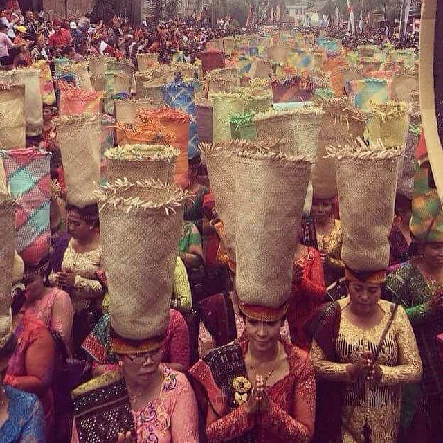 Missing wonderful Indonesia. Textiles & baskets for the soul 🙌🏽