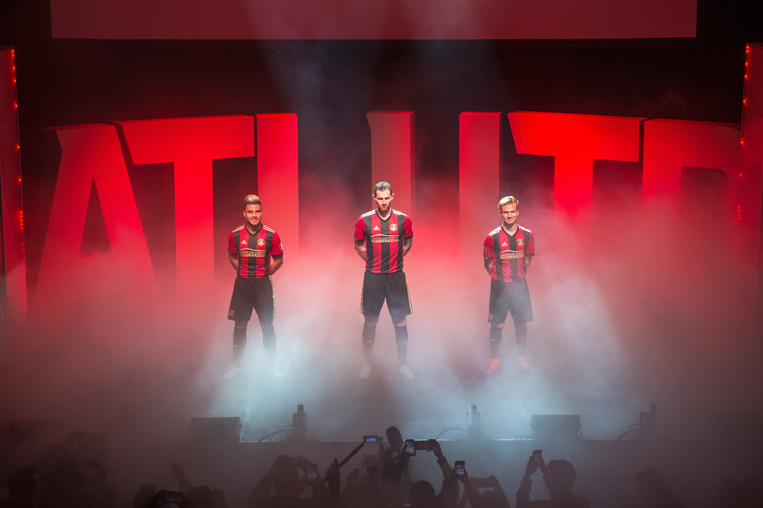 ATL UTD Inaugural Player Signing Graphics - Develop a series of bold and energetic player announcement graphics that introduce Atlanta to the new Atlanta United payer acquisitions across all of the teams digital and social platforms