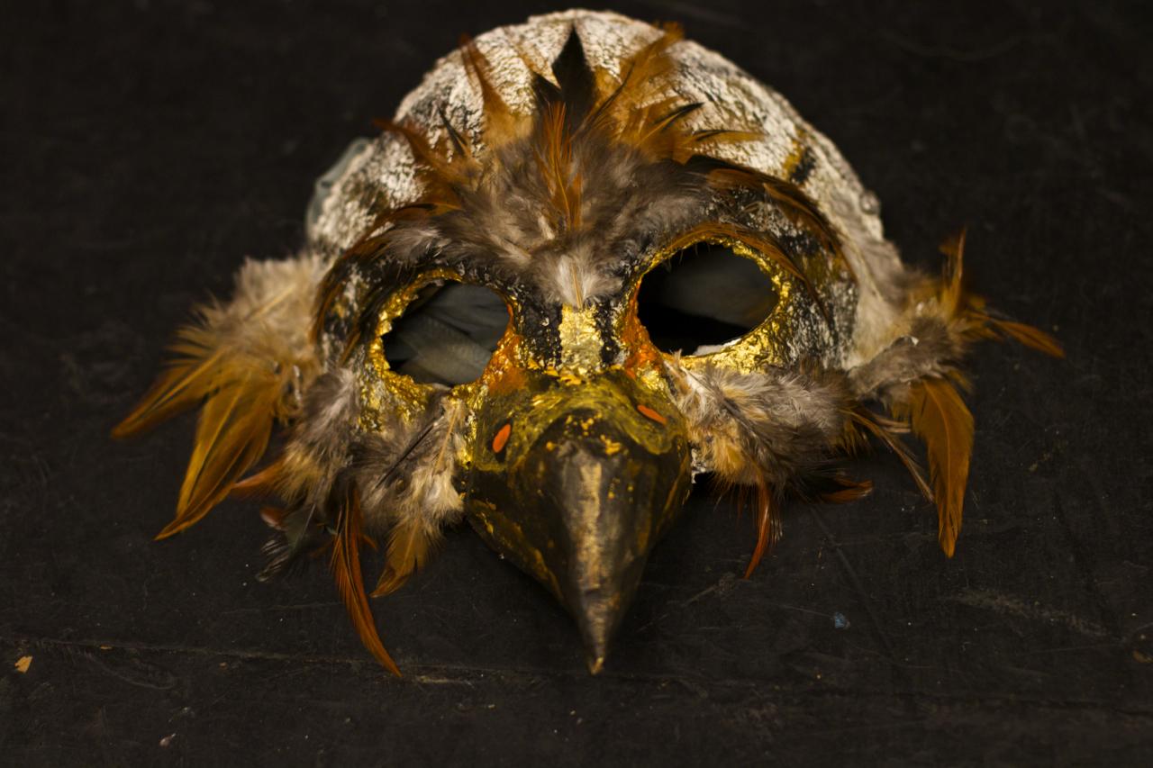 senatorial mask