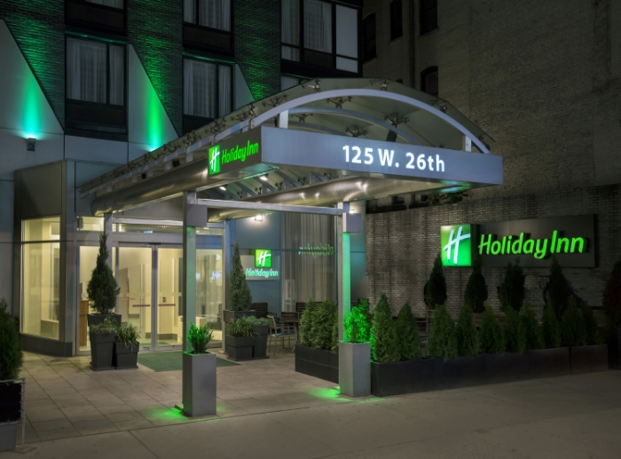 Holiday Inn Manhattan front entrance