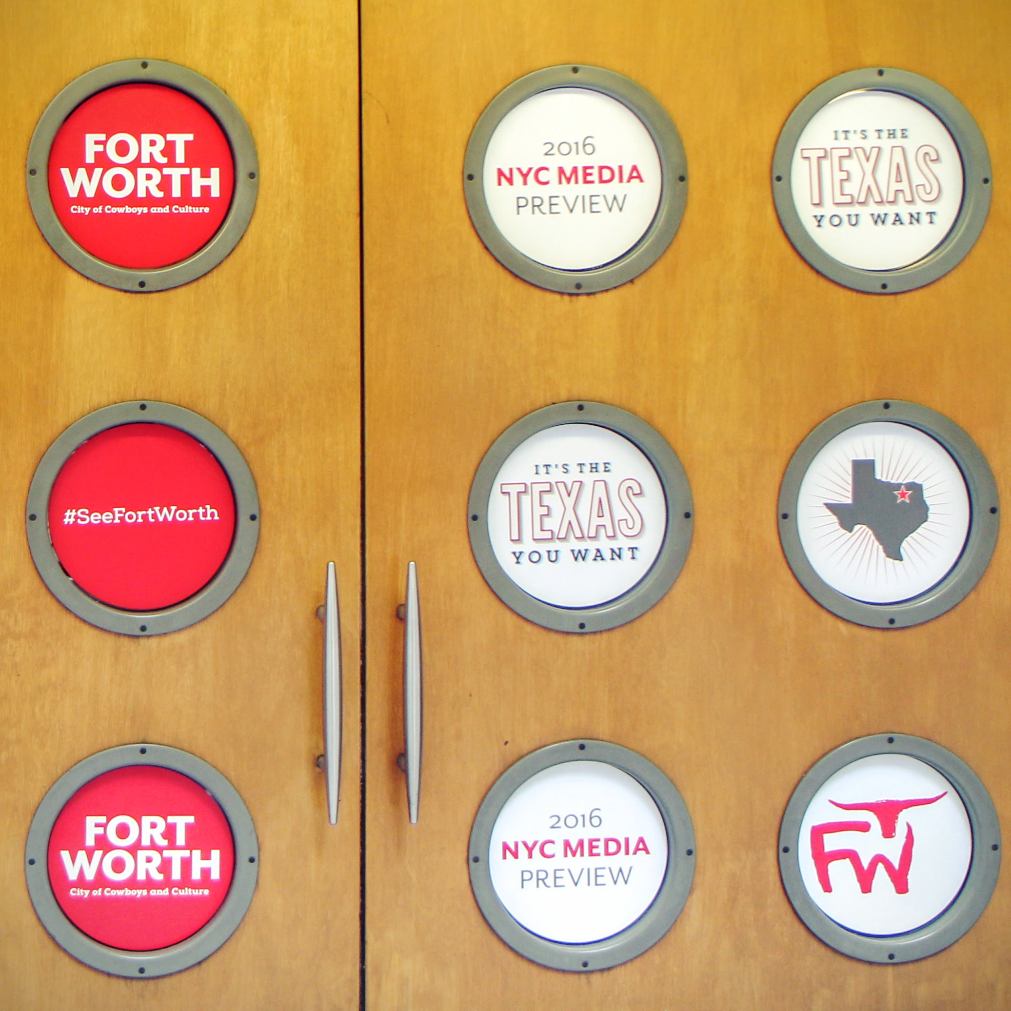 Fort Worth porthole signage