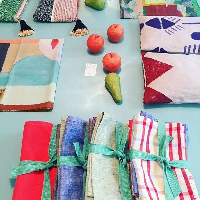 Neue Servietten für den Sommertisch!  #ikou_tschuss #lelefantinofinegoods #ankerstrasse #handcrafts #linen #zürich