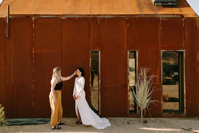 Getting ready for A desert wedding this weekend! - Reminiscing over my very first time in Joshua Tree for this shoot with @tiarrasorte that will always be one of my favs!  _ I'll be sharing a lot via my stories. So tune in if you wanna see ya girl flex some desert floral baddies. _ Photography| @tiarrasorte Art Direction | @ianschober  Videography | @benjaminthomasfilm Hair and Makeup | @sistergolden Paper Goods @euniandco  Wedding Dress @sarahseven  Floral Design @rawfinery  Talent @classicroma  Talent @moore_ashley Confectionery @elisecakes