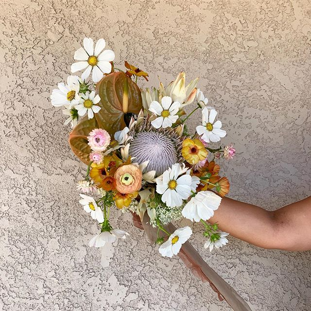 She's an elegant wildflower, with quite strength and an air of confidence. For Heather, with all my love.  _ #rawfinery #rawfineryflorals #bouquet #bridalinspiration #bridal #bridalbouquet #flowerporn #floweraddict #floral #desertwedding #desertflower #wildflower