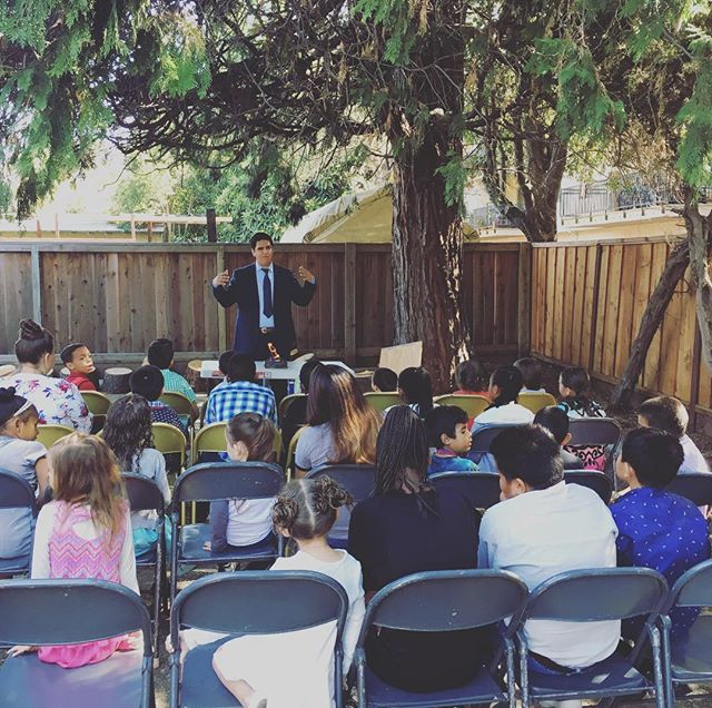 A full house this Sunday! Not only in the adult service but also in children's church!! 🙌🏽 God is good!