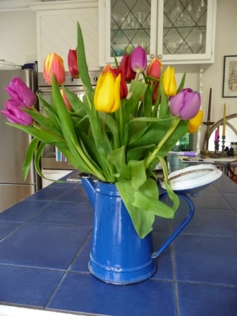 Vintage Hungarian enamel coffee pot makes an great container for tulips