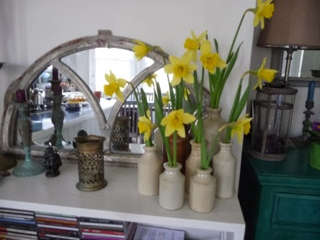 How to make one bunch of daffodils go a long way!